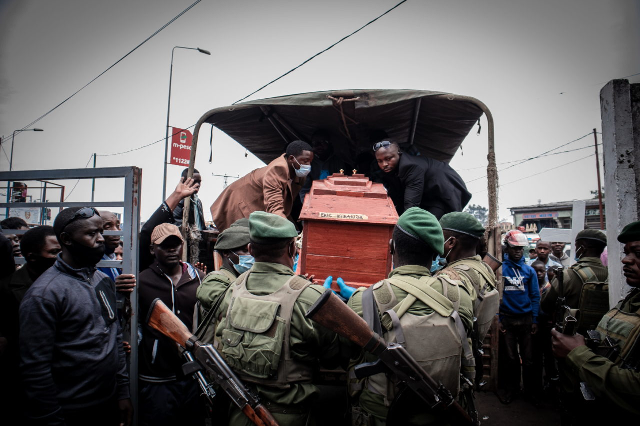 Goma, DRC, January 2021. The casket of Eric Kibanja is transported to the cemetery in the eastern city of Goma last month. Kibanja was one of six Virunga Park rangers killed in an ambush by armed attackers. © Guerchom Ndebo for Fondation Carmignac