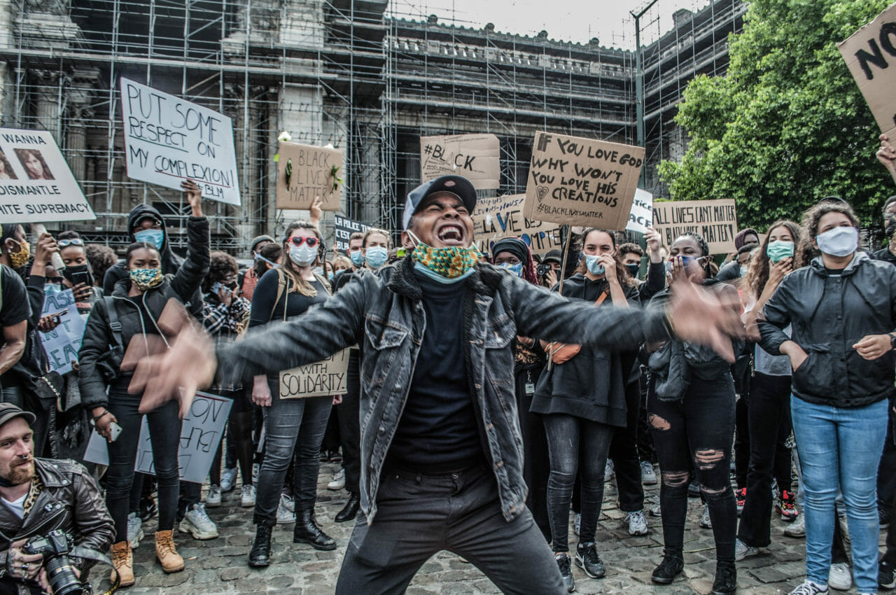 Brussels, Belgium, June 6-7, 2020. Protesters at a Black Lives Matter rally in Brussels this weekend, where some people also called for Belgium to come to grips with its colonial history in Democratic Republic of Congo. As massive gatherings for racial justice gain momentum around the world, activists in Belgium are hoping the global movement may finally shift attitudes toward the colonial legacy of King Leopold II, the monarch whose tyrannical rule over the Congo Free State (now the Democratic Republic of Congo) is blamed for the deaths of between 10-15 million Congolese. © Pamela Tulizo for Fondation Carmignac